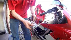 how to cam chain tensioner cbr600f u002702 youtube