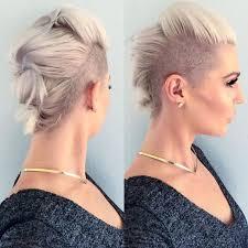 Undercut Frisuren Frau Lange Haare die besten 25 undercut frisuren damen ideen auf