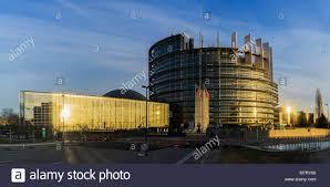 siege europeen le bâtiment louise weiss siège du parlement européen strasbourg