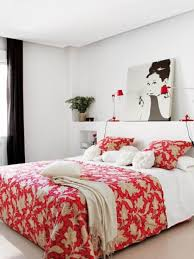 Red Bedrooms by Modern Bedroom Design With Red White Flower Pattern Quilt And