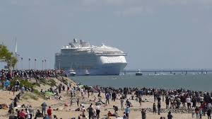 the world u0027s largest cruise ship harmony of the seas delivered