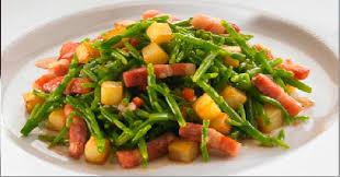 cuisiner salicorne salade de salicornes aux petits lardons et pomme de terre rissolées