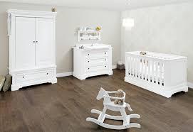 chambre bébé blanche pas cher cuisine pinolino chambre bebe emilia lit mode ã langer armoire