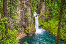 Oregon waterfalls images This southern oregon waterfall road trip is the perfect getaway jpg