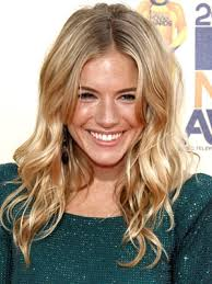 whatbhair texture does sienna miller have sienna miller is beautifuuuul locks i love pinterest sienna