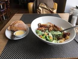 restaurant cuisine nicoise salade nicoise geserveerd in het lido restaurant ss rotterdam