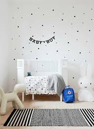 chambre enfant noir et blanc inspiration chambres d enfant emilie sans chichi