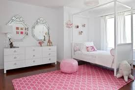Girls Pink Rug Beige Rug On Wooden Floor Love Shaped Decoration Wall Pink Bedroom
