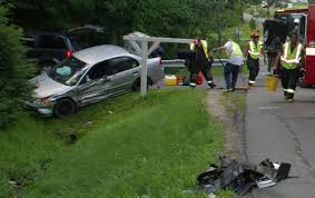 three vehicle crash in new sharon injures two daily bulldog