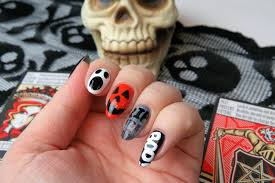 mani monday fun halloween nail design kaitlyn elisabeth beauty