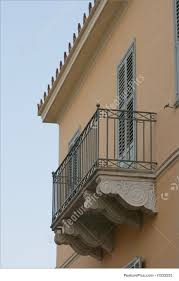 picture of neoclassical house balcony