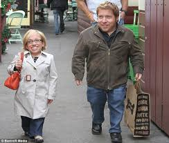 jennifer arnold on the little couples hair style the little couple stars bill klein and jennifer arnold are smiling