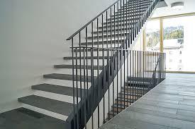 treppen aus metall geländer treppen individuelle effektvolle gestaltungselemente