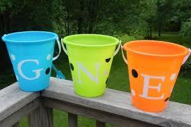 personalized buckets personalized sand buckets tutorial momma d and da boyz