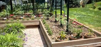 L Shaped Garden Design Ideas L Shaped Backyard L Shaped Backyard Pie Shaped Backyard Designs