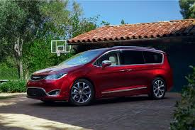 luxury minivan 2016 comparison 2017 toyota sienna does the family hauler stack up