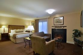 Sitting Room Suites For Sale - lancaster pa rooms the two bedroom studio king villa is a lancas