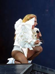 Lady Gaga Bad Romance Lady Gaga Stuns With At Least Eight Costume Changes On Joanne Tour