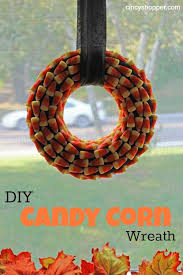 8 diy corn wreaths for fall and thanksgiving decor shelterness