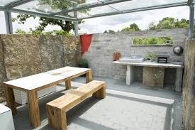 cuisine d été en bois cuisine d été ouverte ou couverte 21 ères de l aménager