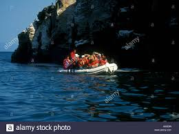 guide boat tour tourists punta vicente roca isabela island