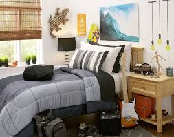 Dorm Room Wall Decor by Dorm Decor For Guys On College With These Cool Dorm Design Ideas