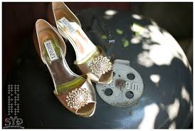 wedding shoes nyc new york wedding photographer chicago philadelphia miami badgley