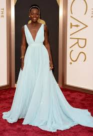 see lupita nyong u0027o u0027s blue prada gown at 2014 oscars photos