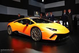 Lamborghini Veneno Roadster Owners - lamborghini aventador sv roadster burns to a crisp in dubai 1 of