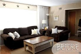Light Green Leather Sofa Chocolate Brown Living Room Ideas White Valance Beige Wooden