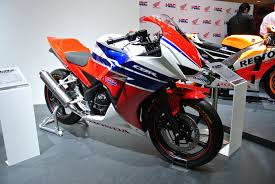 honda cbr250r file honda cbr250r competition jpg wikimedia commons
