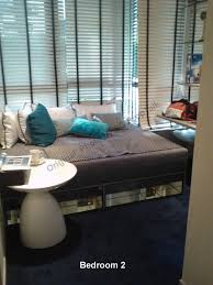 skyline residences sg proptalk a queen bed along the bay windows ala bedroom 2 we don t know about you but the wife and i do feel abit iffy sleeping against the bedroom window