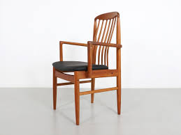 set of 6 scandinavian chairs in teak and leatherette benny linden