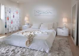White Bedding Decorating Ideas White Bedding Ideas Best 20 Minimalist Bedroom Ideas On Pinterest