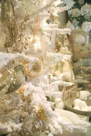 Elegant White Christmas Decorations by White Vintage Christmas Ideas For A Dreamlike Holiday