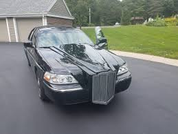lincoln town car 2017 someone needs to put this abomination out of its misery 2006