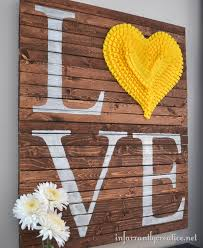 Make Your Own Home Decor Diy Pallet Valentine Art Pallets Ruffles And Pallet Art