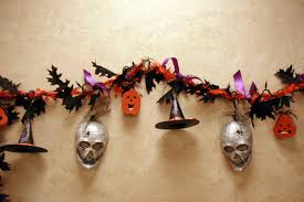 Halloween Garland 15 Spooky Halloween Garland Decoration Halloween Garland Ideas