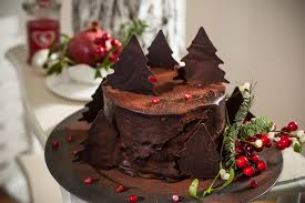 Decorate A Chocolate Cake Like A Pro With These Festive Tips Heart