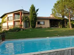 guest house with swimming pool air view on montauban l u0027honor de