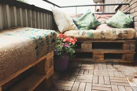 balkonmã bel kleiner balkon chestha balkon sofa idee