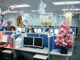 100 office christmas decorating ideas for work office 20