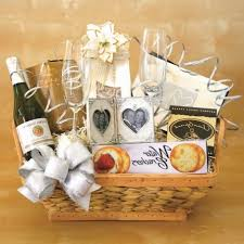 wedding gift baskets wedding gift basket ideas wedding event organizer