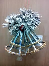 campanas de navidad manualidad 2013 papel de periodico cola