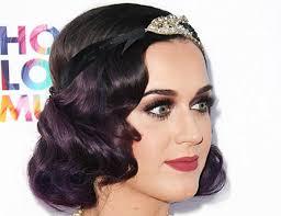 Katy Perry Met Haar Great Gatsby Hairstyle Accessoires Voor