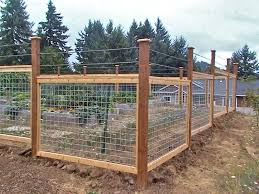 4 Ft Fence Panels With Trellis Best 25 Cattle Panel Fence Ideas On Pinterest Hog Wire Fence