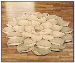 small flower shaped rugs rugs home design ideas ajb8vp8nqe61081