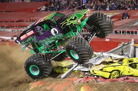 grave digger monster truck wallpaper grave digger monster truck 4x4 race racing monster truck g jpg