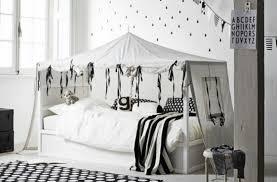 ikea chambre fille ado transformer le lit ikea kura 15 idées ikea hacks déco clematc