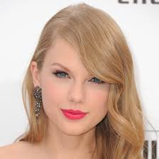 makeup artist lorrie turk created taylor swift 39 s beautiful poppy hued lipstick shade for the share this link